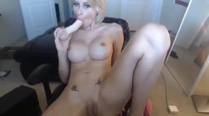 frau benutzt dildo gute erotikfilme